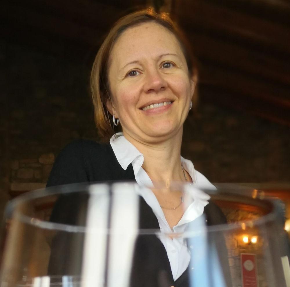 Monica Massa, la direttrice responsabile di Millevigne, la rivista per i viticoltori italiani nella intervista di Katrin Walter - simply walter