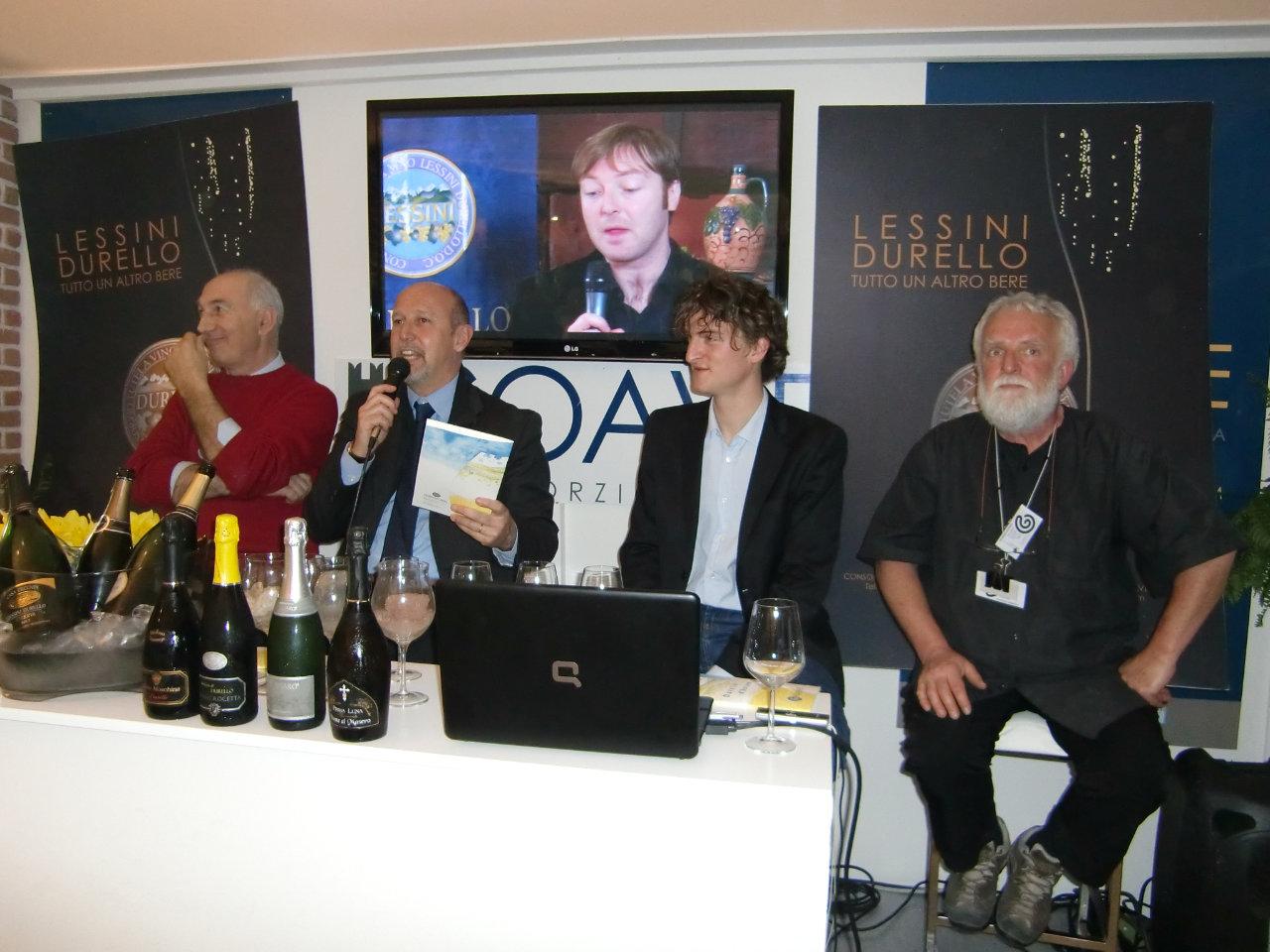 """Presentazione del volume """"Durello d'autore"""" al Vinitaly. Foto: Katrin Walter"""