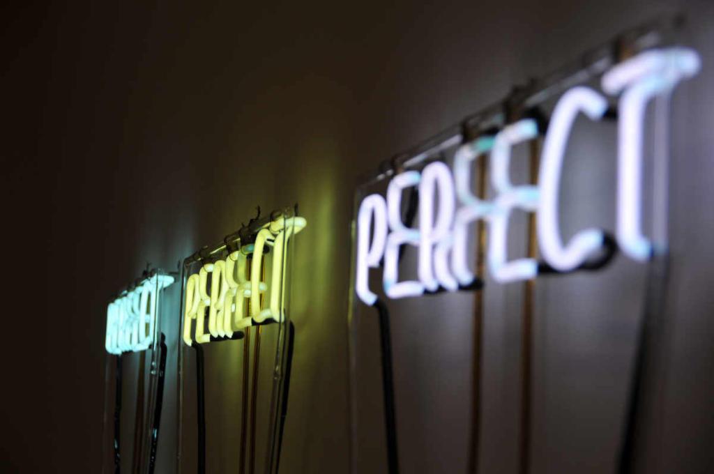 Perfect perfect perfect di tubi luminosi come simbolo per Katrin come perfetto team player. Foto: Unsplash