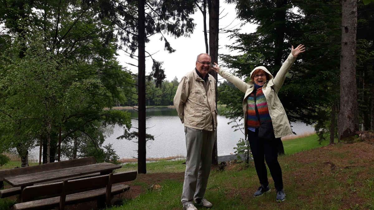 Dieter Kapitz e Katrin Walter al Lago Santo in Val di Cembra. Foto: Mara Lona