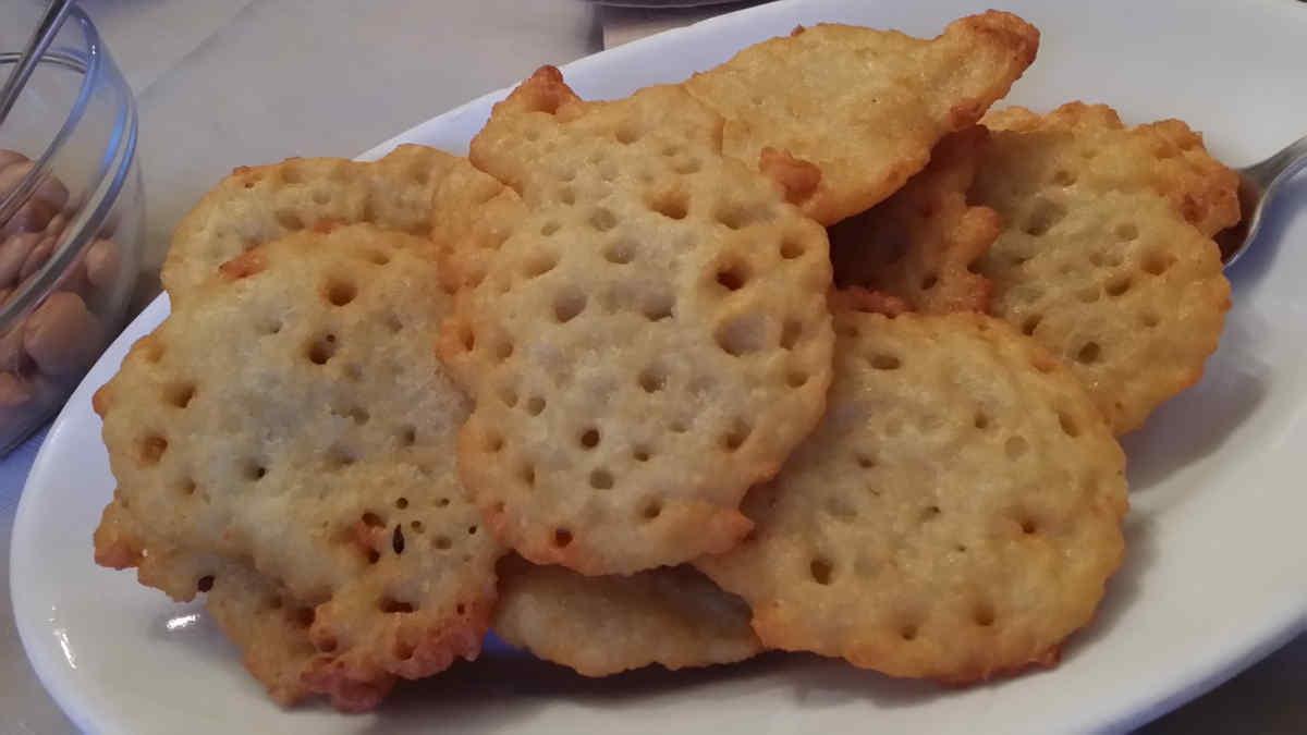 Si vede i famosi Tortel di patate del Agritur Simoni, Val di Cembra. Foto: Katrin Walter
