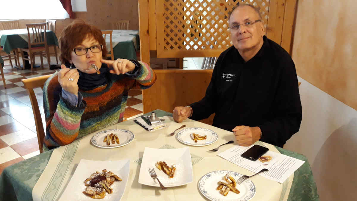 Katrin Walter e Dieter Kapitz on tour in Val di Cembra golosa.