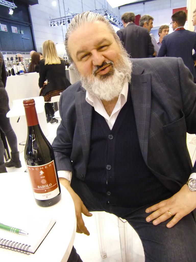 Matteo Ascheri sempre presente e sempre in prima persona a presentare i suoi vini eccellenti in Italia e nel mondo. Foto: Katrin Walter